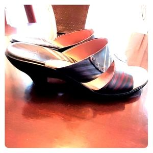Sofft Leather Heeled Sandals Size 11